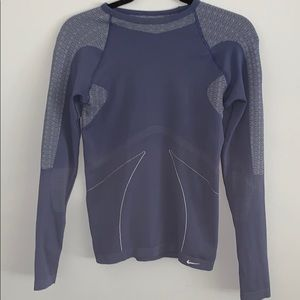 Nike fit dry workout shirt